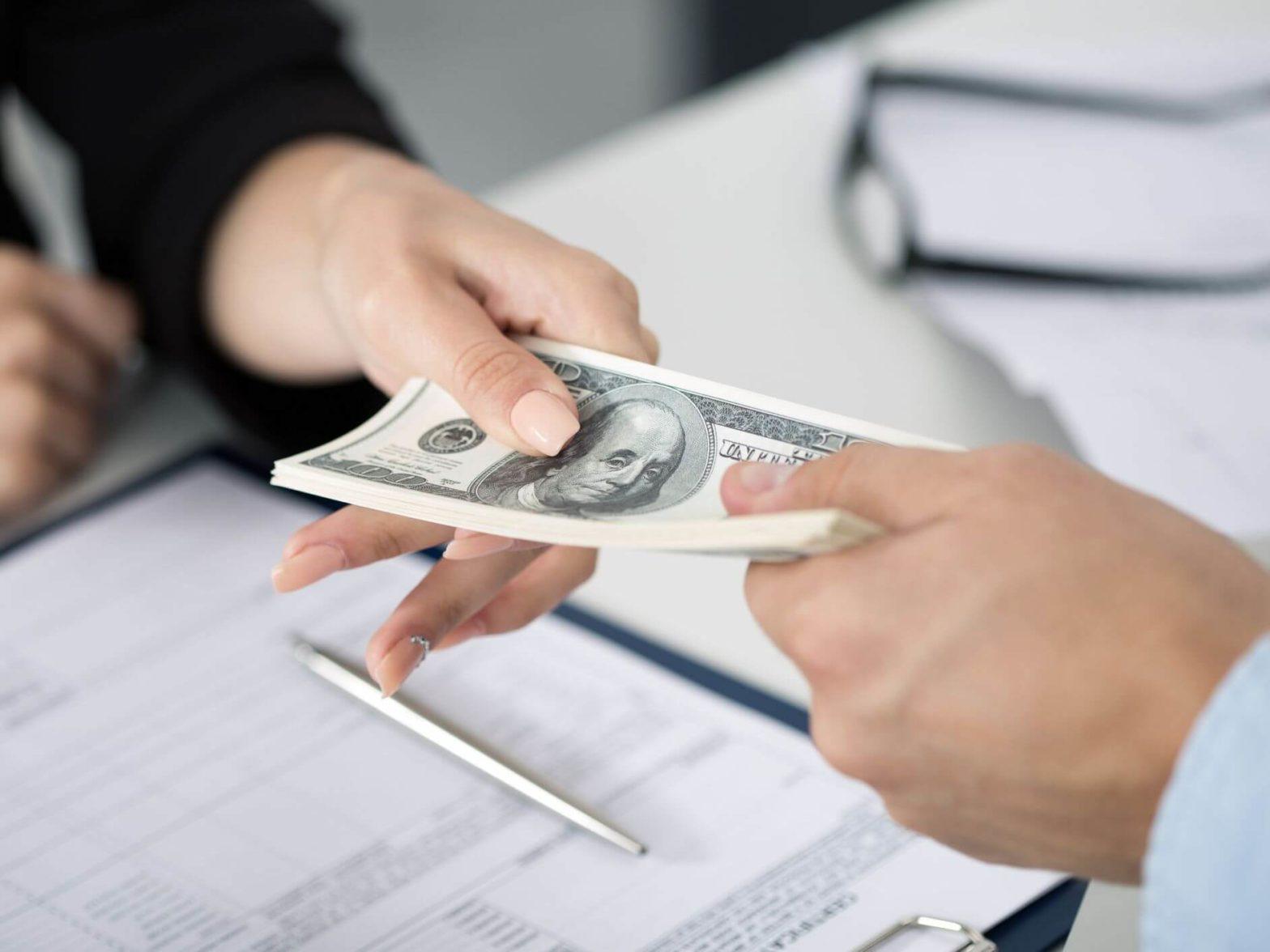 Можно ли взять кредит под залог недвижимости через Интернет?